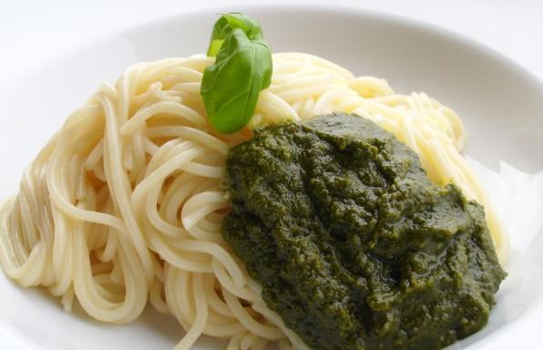 Grünes Pesto vegan